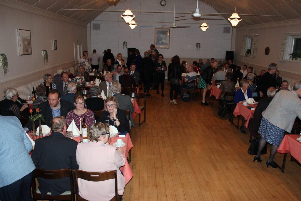 Middag i forsamlingshus